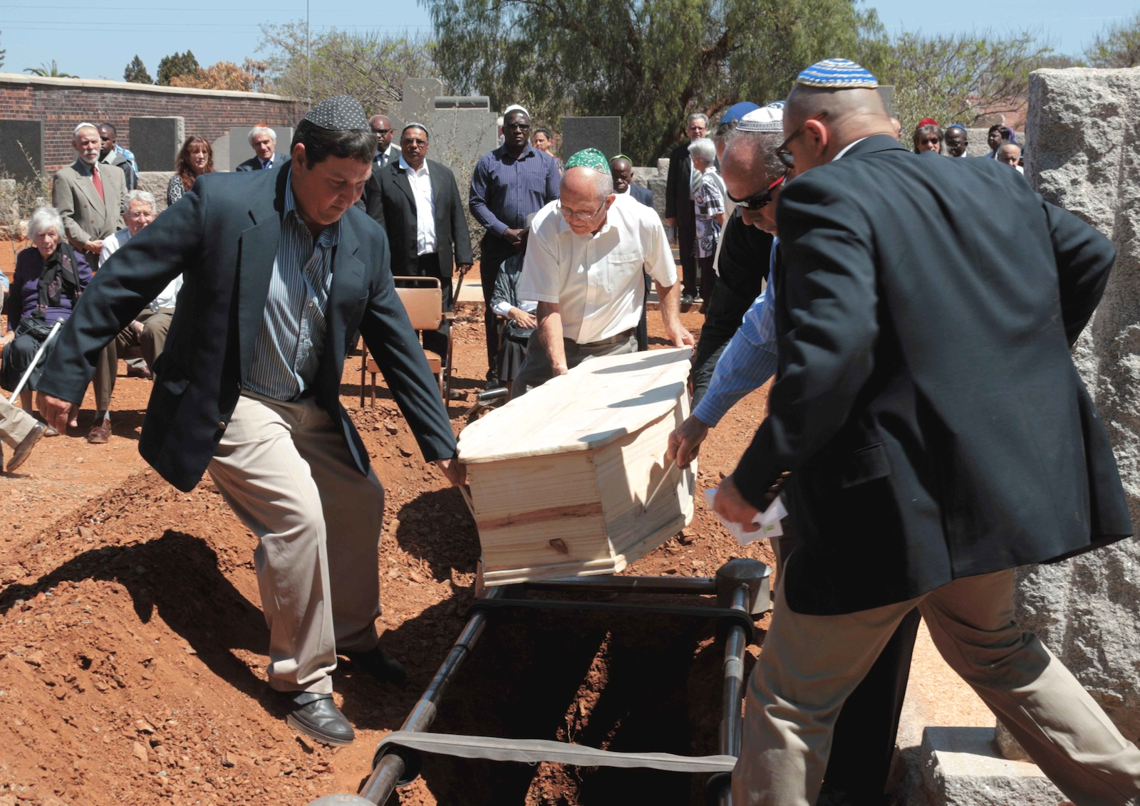Jewish Traditions For Death Burial And Mourning Rohatyn Jewish