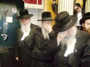 Keriah at the funeral of a Rabbi in Jerusalem