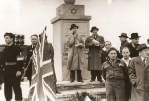 Trepman at the dedication of the DP camp memorial at Bergen-Belsen