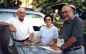 Jack and Bea Glotzer with Howard Steinmetz