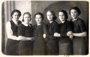 Rosette with friends in 1939